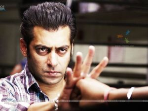 36975-salman-khan-looking-angry.jpg